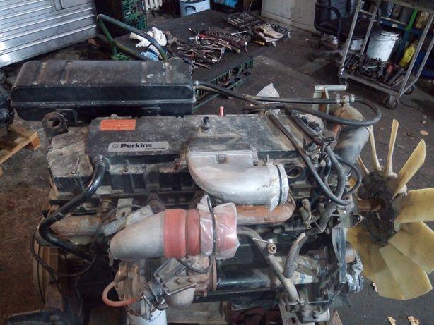 Kombajn zbożowy Massey Ferguson, silnik Perkins 6 turbo