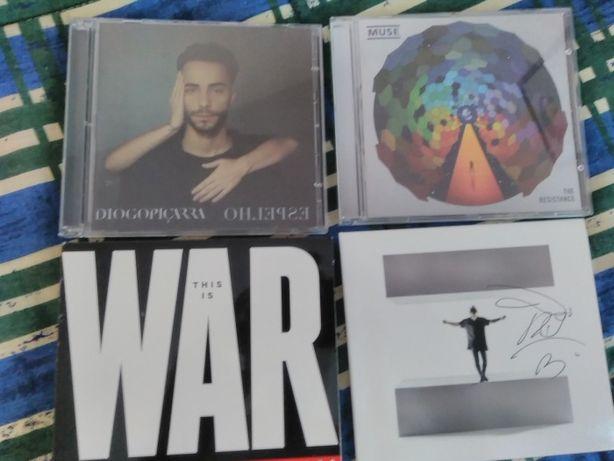 Vendo vários CD's de música em excelente estado