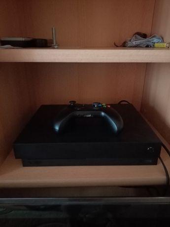 Продам Xbox One X разом ще акаунт віддам з іграми опис ігр в описанії