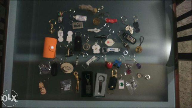 Coleção de 40 porta chaves