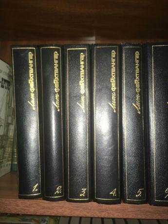 Книги, собрания сочинений  столичных издательств