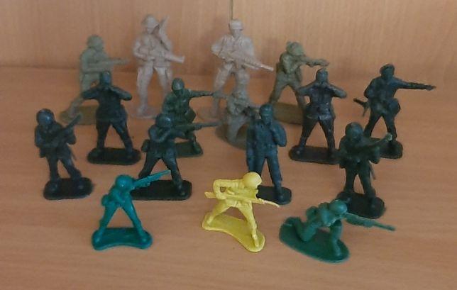 Żołnierzyki.Figurki
