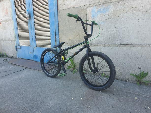 Велосипед бмх Flybikes