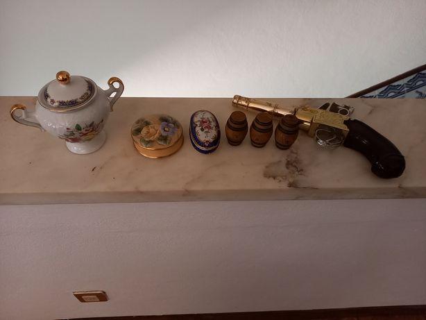 Vendo conjunto de peças decorativas em bom estado