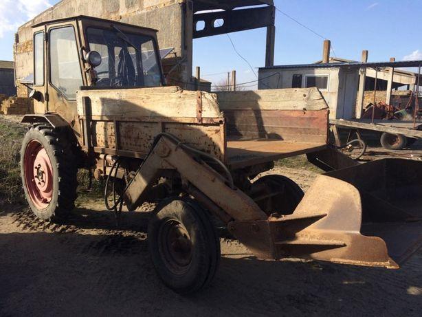 Трактор Т- 16 с лопатой
