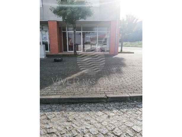 Loja em Santa Cristina - Santo Tirso.