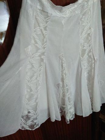 Продам белую юбку б/у длина миди р.48-50