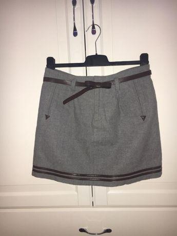 Spódnica mini / biodrówka