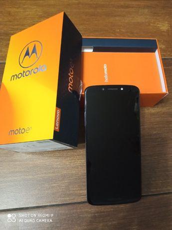 Telefon Motorola E5