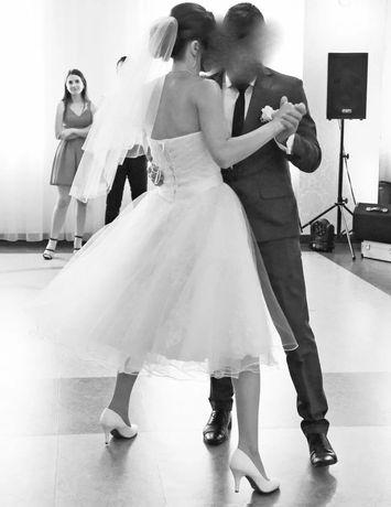 Suknia biala ślubna