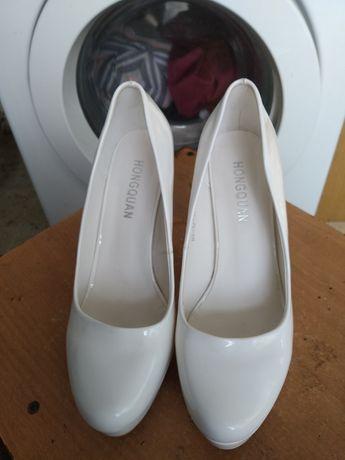 Свадебные туфли женские