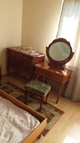 Stara sypialnia antyczna