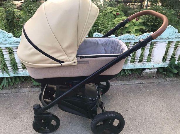 Коляска детская (экокожа)