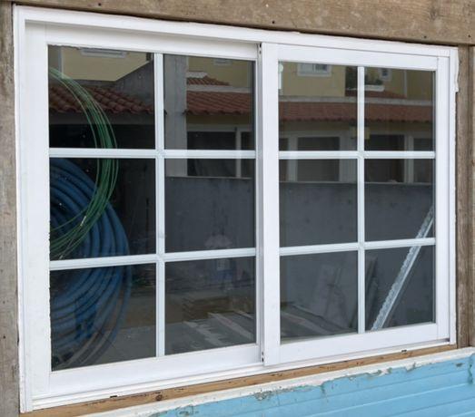 Vendo janela e portadas em aluminio