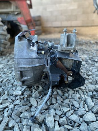 Кпп коробка передач ford fiesta mk7 1.5tdci BA6R-7002-ABB