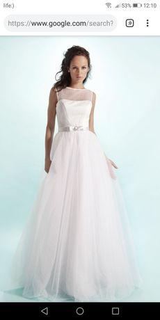 Дуже ніжна сукня на весілля або випускний вечір!