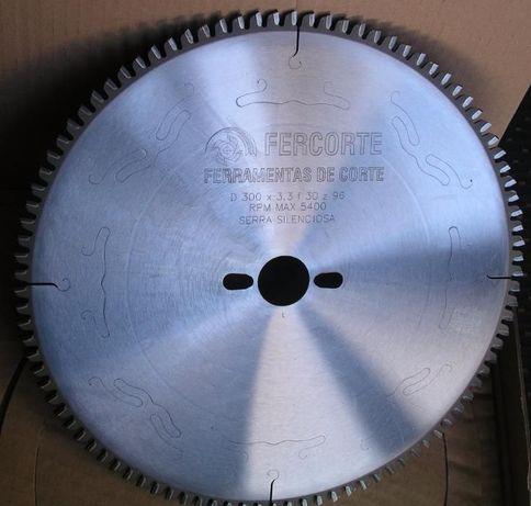 Serra Circular. Ø300x3,3x32 Z=96 Neg. (para ALUMÍNIO)