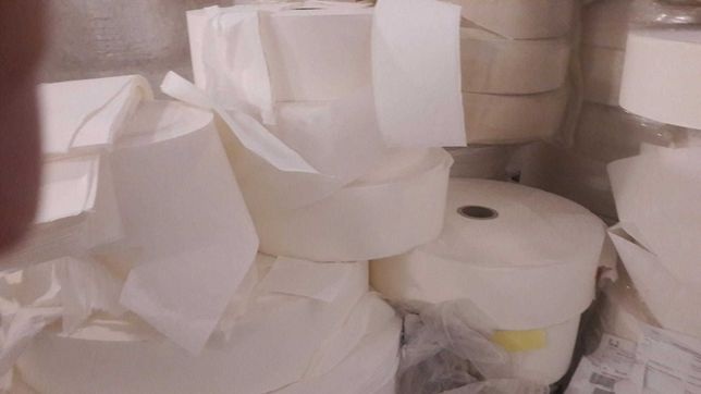 włóknina odpad w rolkach i luzem