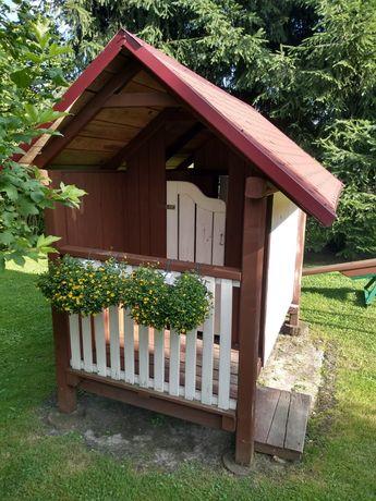 Domek drewniany ogrodowy dla dzieci plus hustawka.