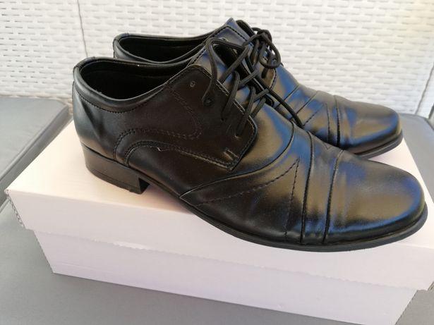 Nowe buty wizytowe r.36 do garnituru komunia
