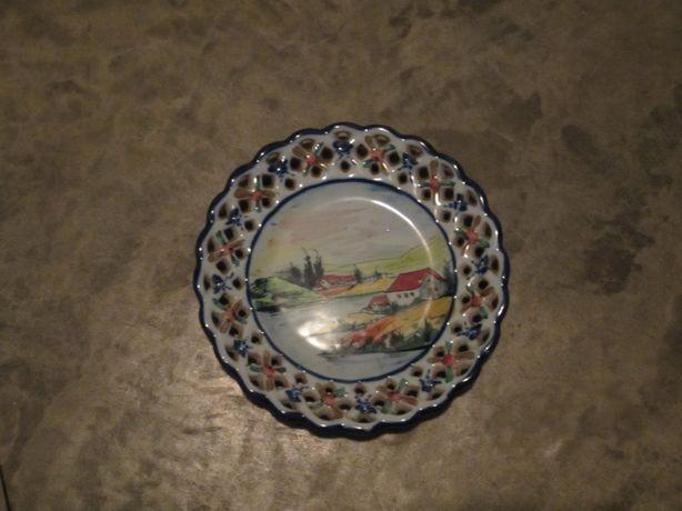 Prato pintado à mão das Caldas da Raínha (antiguidade)