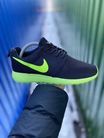 Nike rosherun кроссовки оригинал 43 размер Найк