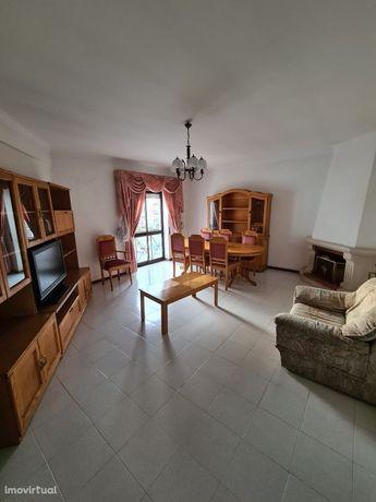 Apartamento T3 à venda na rua Cruz de São Tomé, 2 Lote
