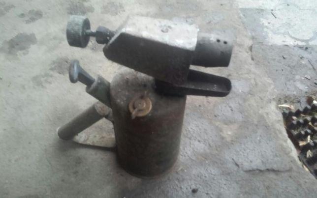 Palnik lampa na benzyne