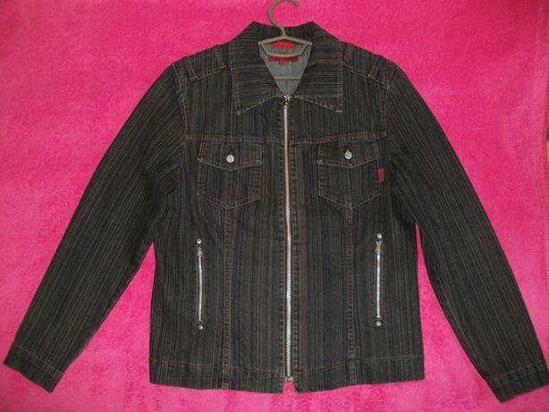 Куртка джинсовая размер (48-50) и юбка.