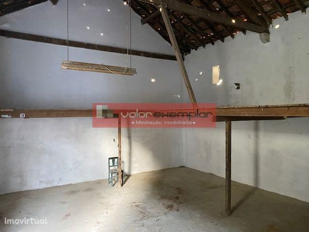 Excelente Negócio Armazem E Casas P/ Habitação - Centro