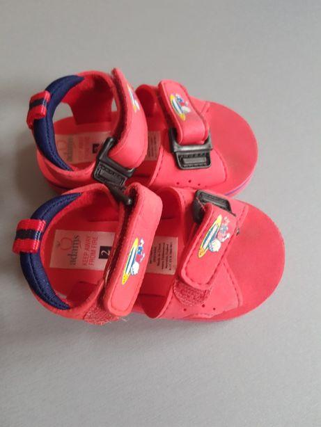 Sandałki czerwone