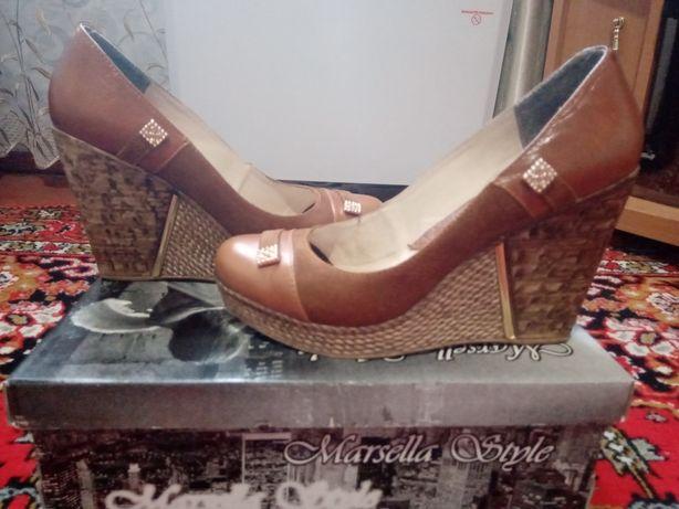 Кожаные туфли 39 р.