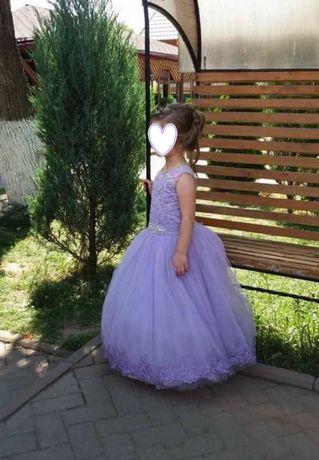 Випускне плаття на дівчинку