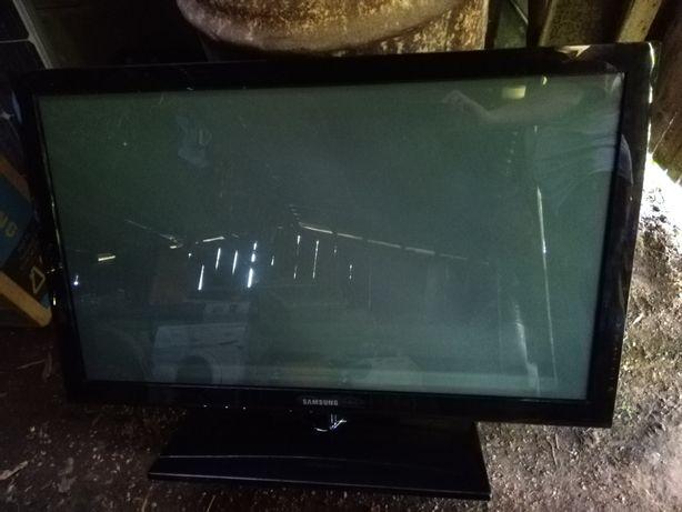 Telewizor Samsung Plasma 42 cale uszkodzony.