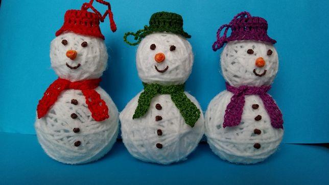 Bałwanki na choinkę szydełkowe ozdoby świąteczne