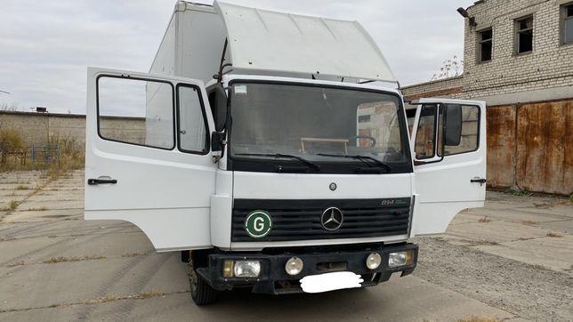 Грузовой Mercedes 814 (5 тонн, 6 метров)