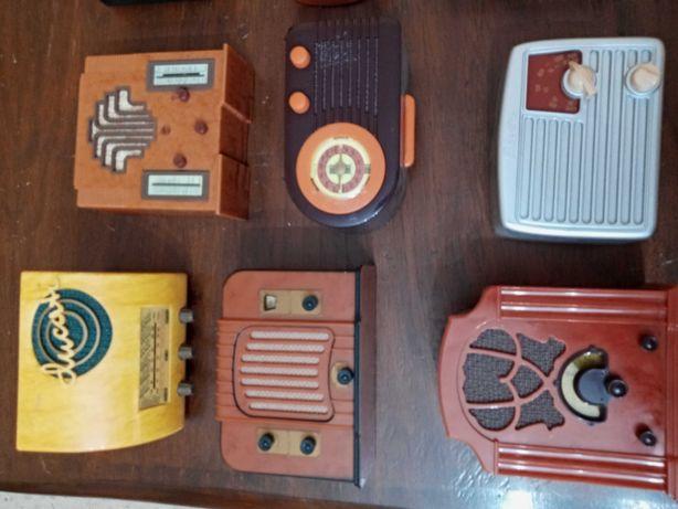 25 replicas de radios antigos todos a funcionar