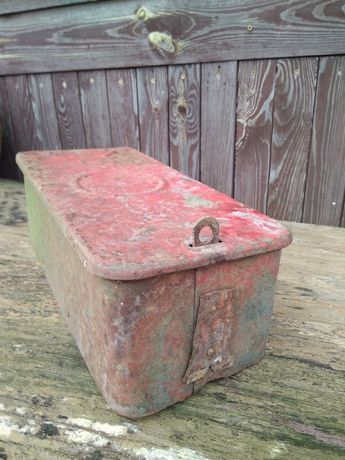 Stara skrzynka pudełko na narzędzia drobiazgi do kolekcji