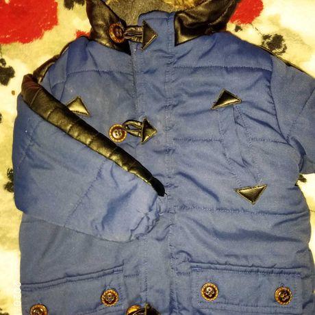 Продам осенне-весеннюю курточку 12-18 месяцев