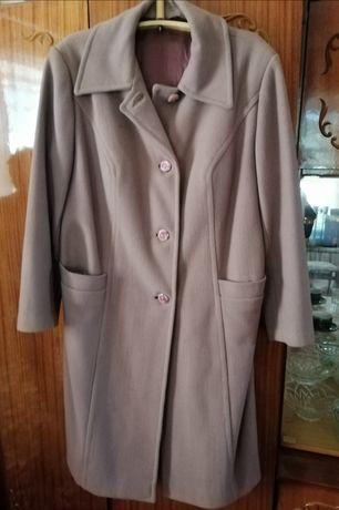 Пальто жіноче осінь.