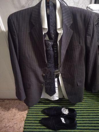Продам комплект мужской одежды, костюм, рубашка, туфли