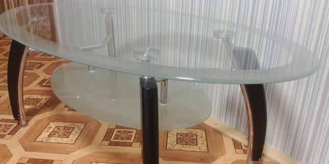 Кофейный столик (стеколянный)
