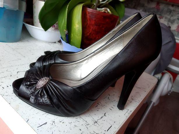 Туфли с открытым носком 35 размер