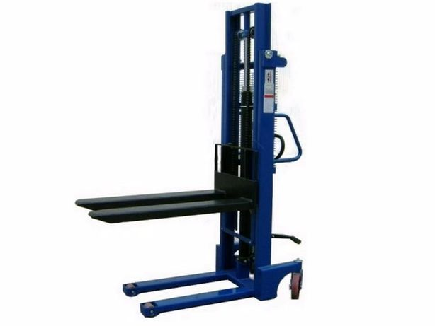 Empilhador / Porta-paletes / stacker manual com capacidade de 1 tonela