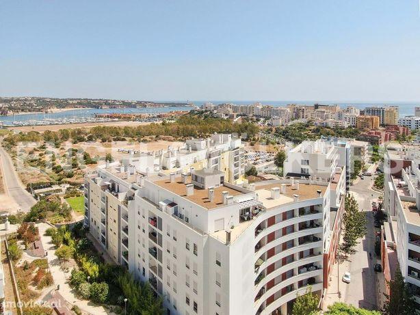 Apartamento T3 com vista rio - Encosta da Marina