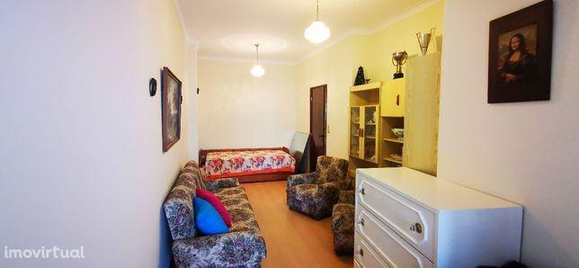 Apartamento T2 50m Praia (Centro)