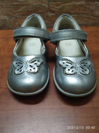 Туфли clarks на девочку 24 размер стелька 15,5 см