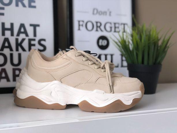 Новые очень стильные кроссовки bershka