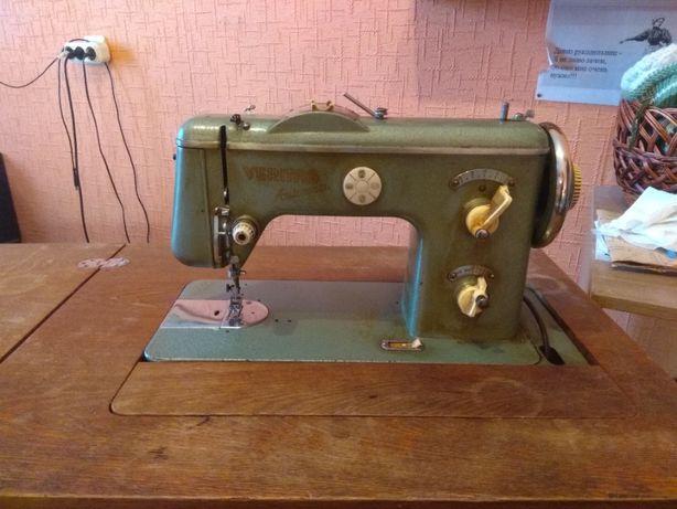 Продам швейную машинку VERITAS в хорошем состоя
