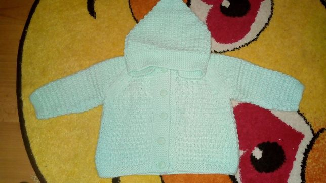 Sweter sweterek seledynowy 68 z kapturem